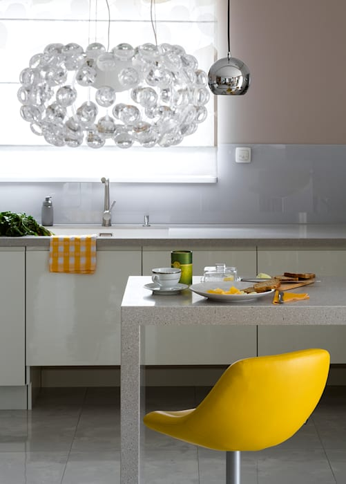 Kolorowy minimalizm Pracownia Projektowa Poco Design Minimalistyczna kuchnia