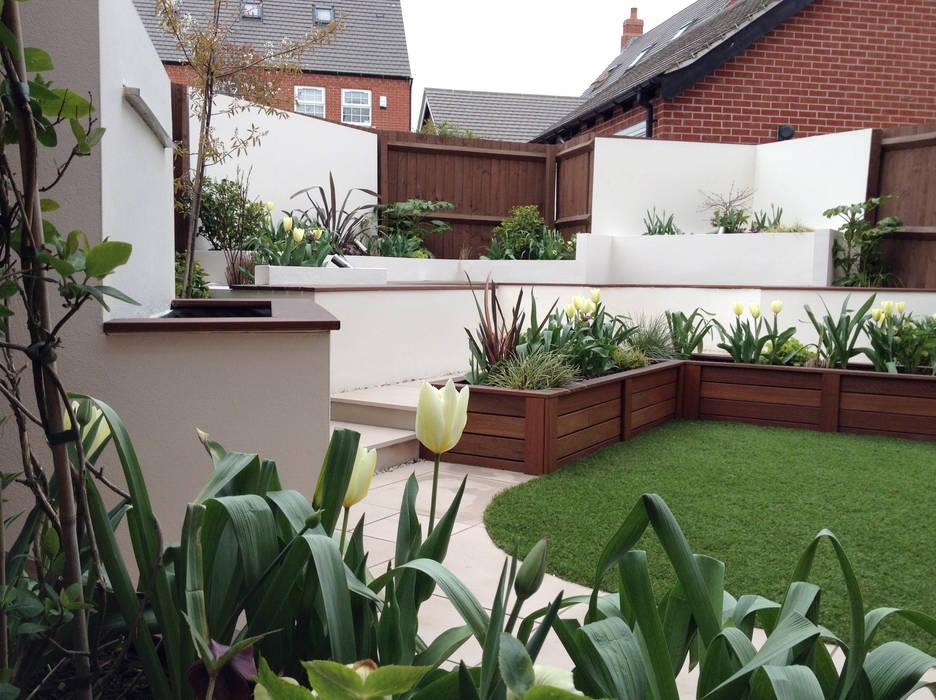 Jardines de estilo  por Lush Garden Design, Moderno