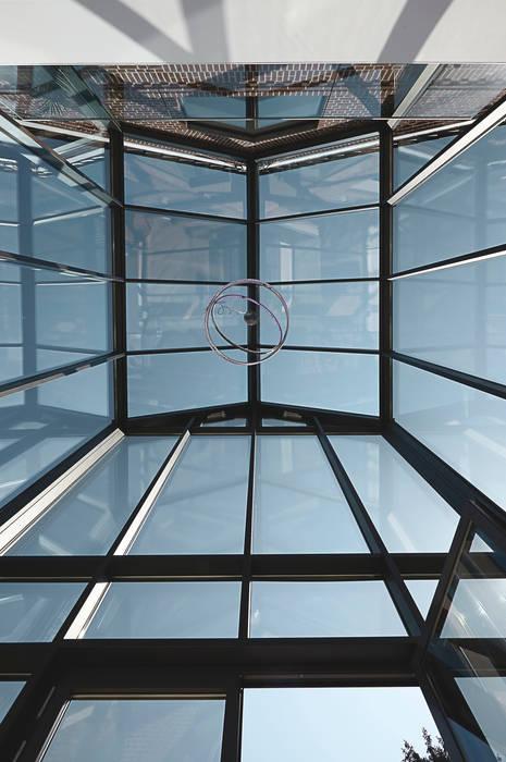 โดย 28 Grad Architektur GmbH โมเดิร์น