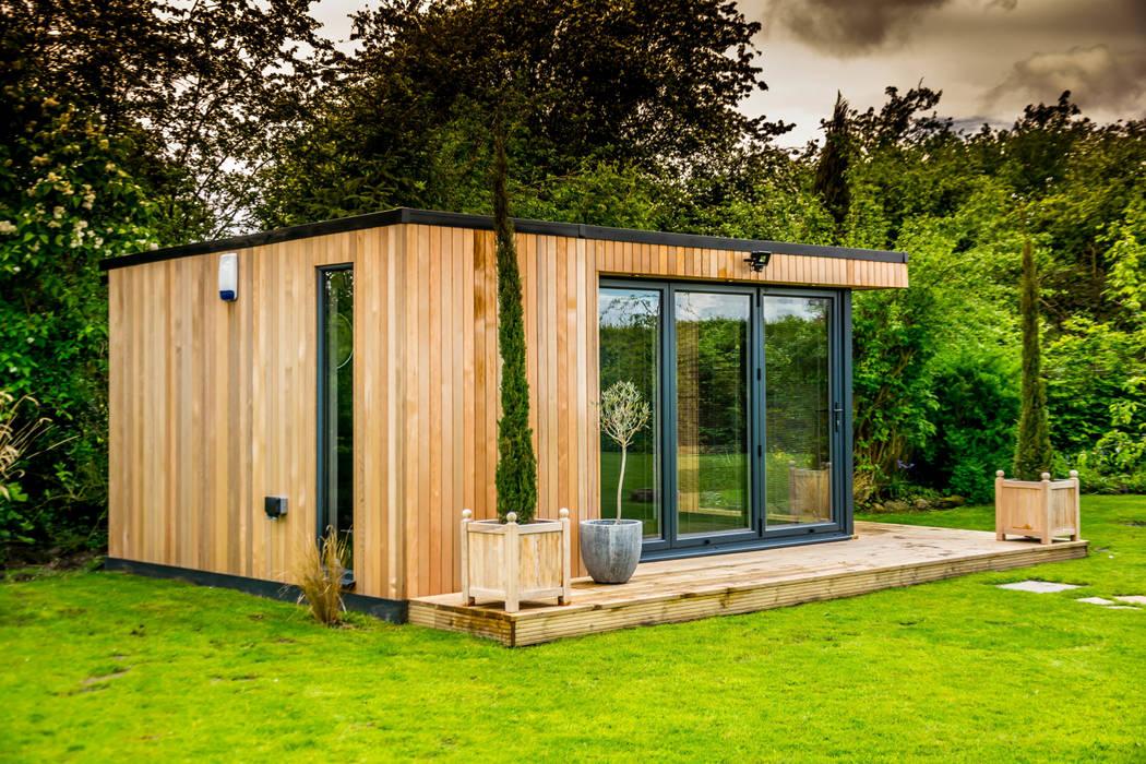 Stunning garden room suite:  Garden by The Swift Organisation Ltd, Modern