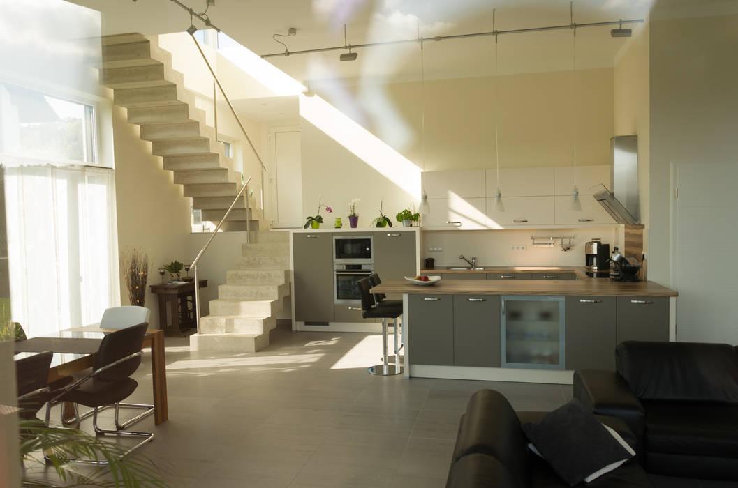 STRICK Architekten + Ingenieure KitchenKitchen utensils