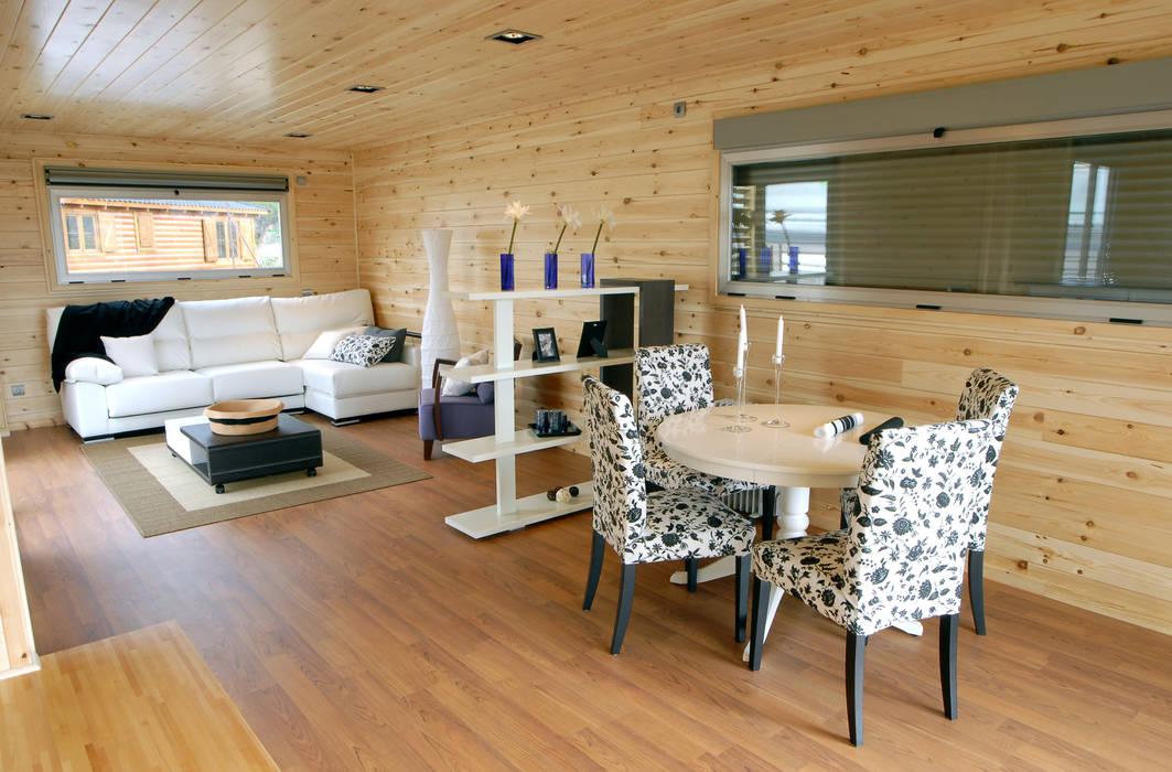 Salle à manger moderne par Casas Natura Moderne