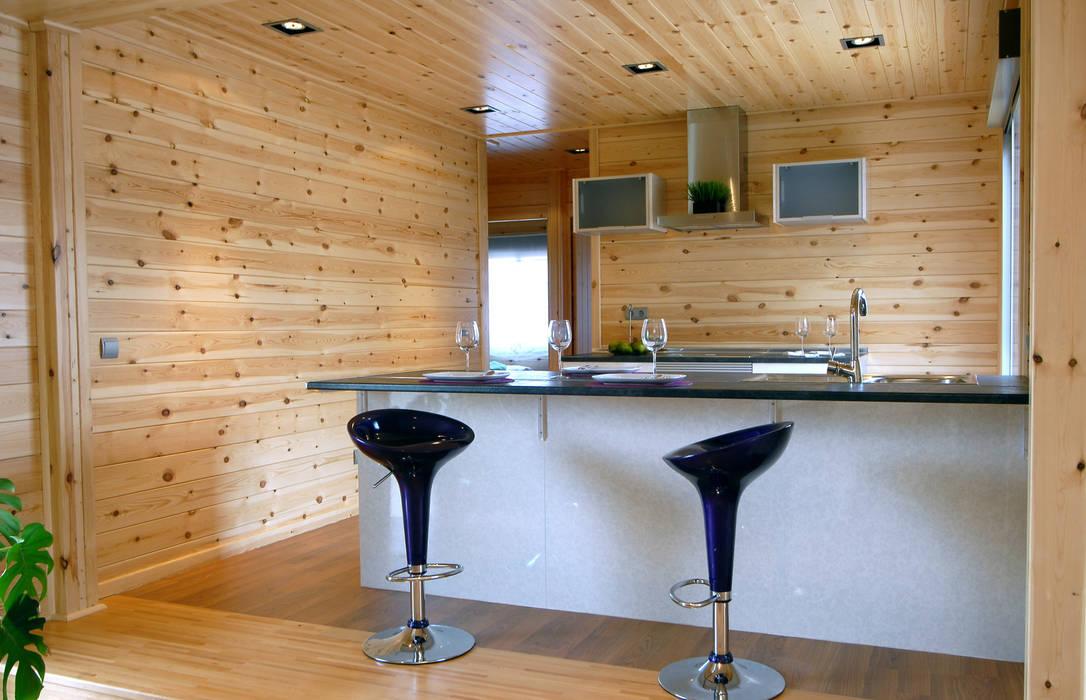 Modern style kitchen by Casas Natura Modern