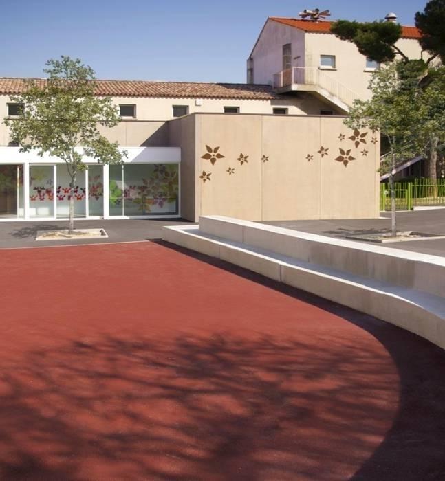 Ecole maternelle: Ecoles de style  par NAOM