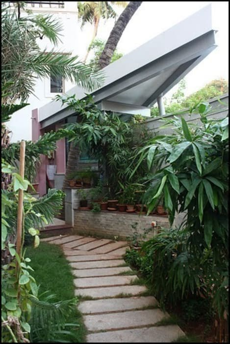MUBARAK ALI RESIDENCE Muraliarchitects Modern garden