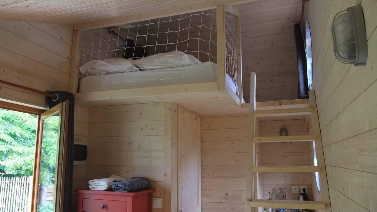 Une mezzanine accueille un lit double chambre originale par ...