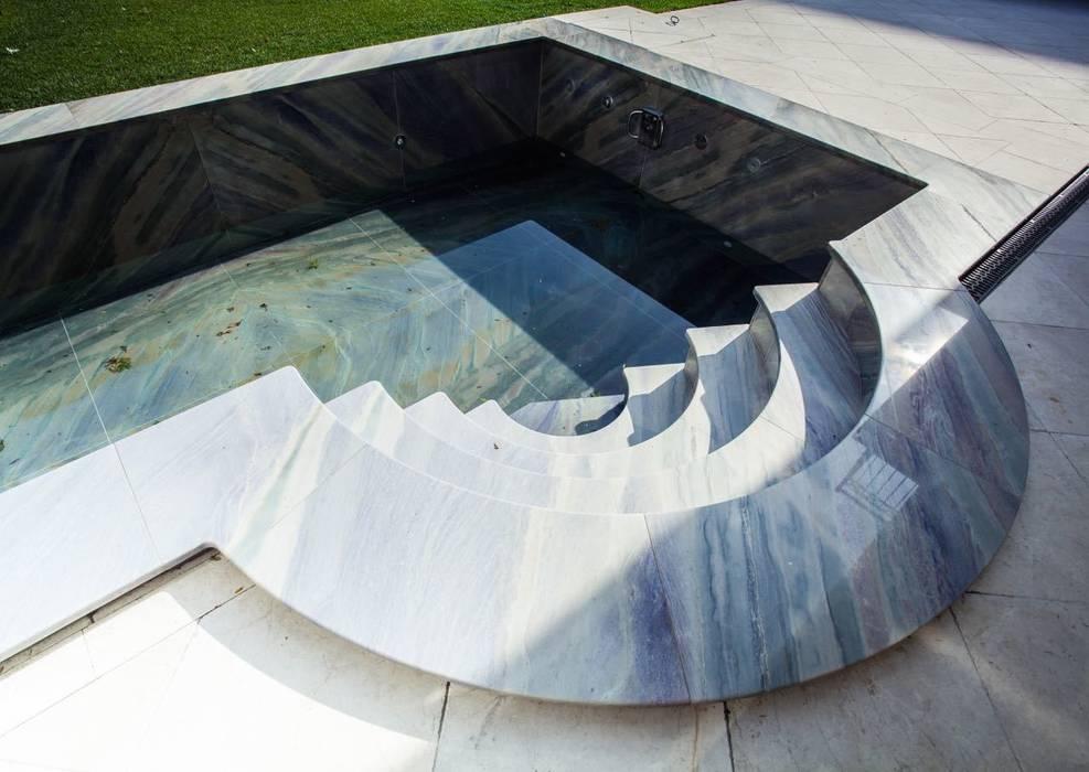 Pool aus edlem Quarzit Koloniale Pools von SCHUBERT STONE GmbH Kolonial