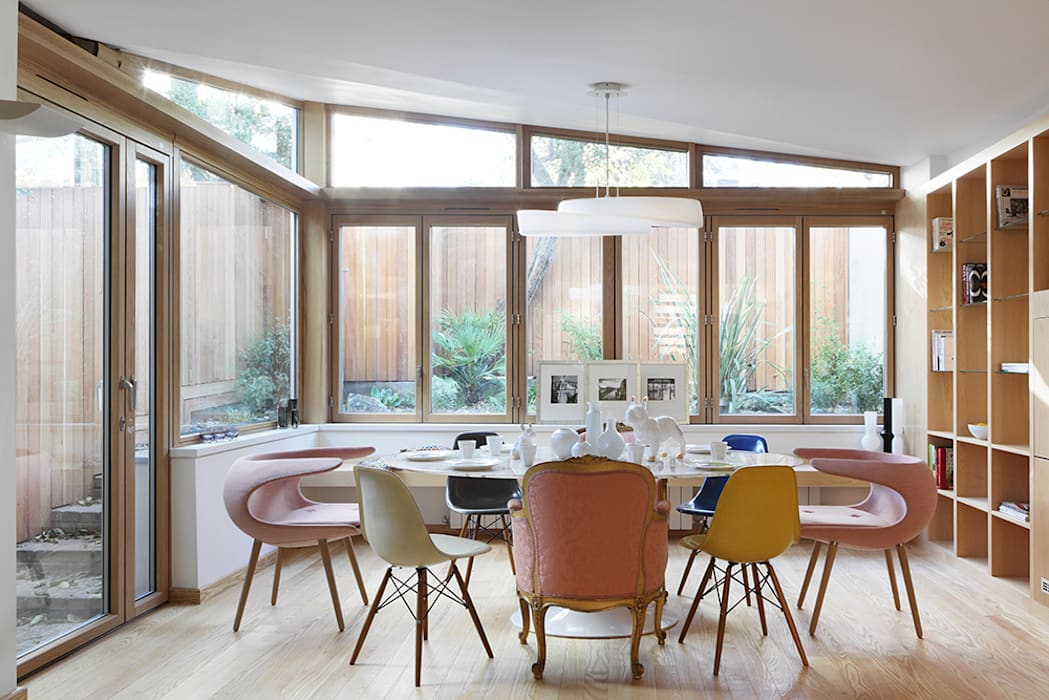 Dining Room:  Dining room by AR Architecture, Modern