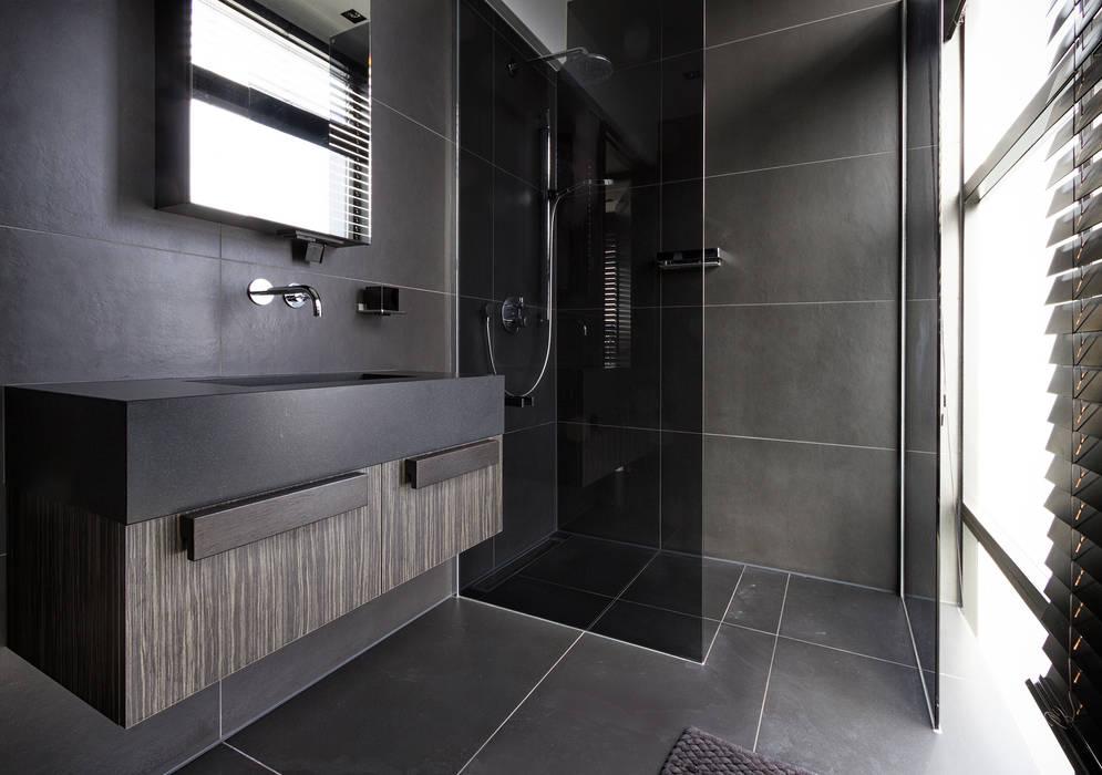 Bathroom Moderne badkamers van BB Interior Modern