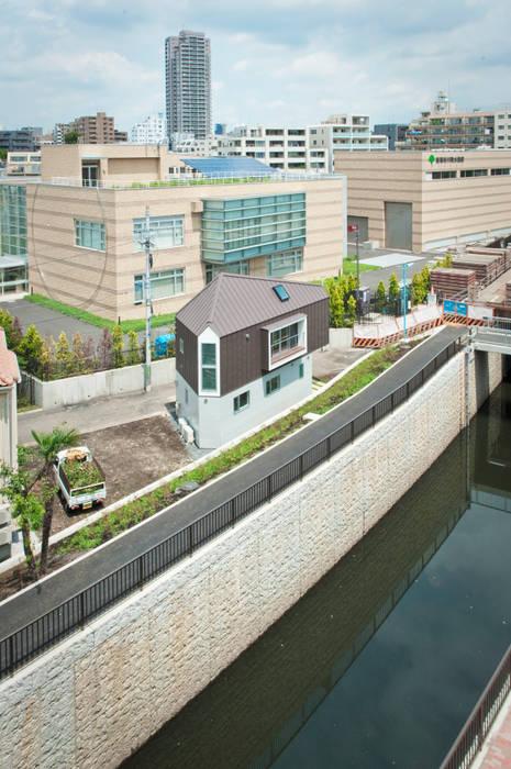River side house / House in Horinouchi Rumah Modern Oleh 水石浩太建築設計室/ MIZUISHI Architect Atelier Modern