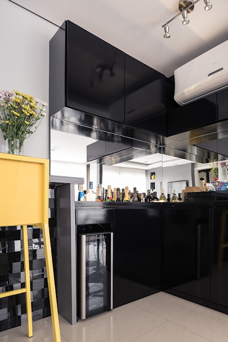 Bancada Bar Salas de estar modernas por Blacher Arquitetura Moderno