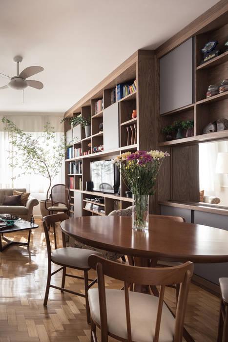 Estar Salas de estar ecléticas por Blacher Arquitetura Eclético