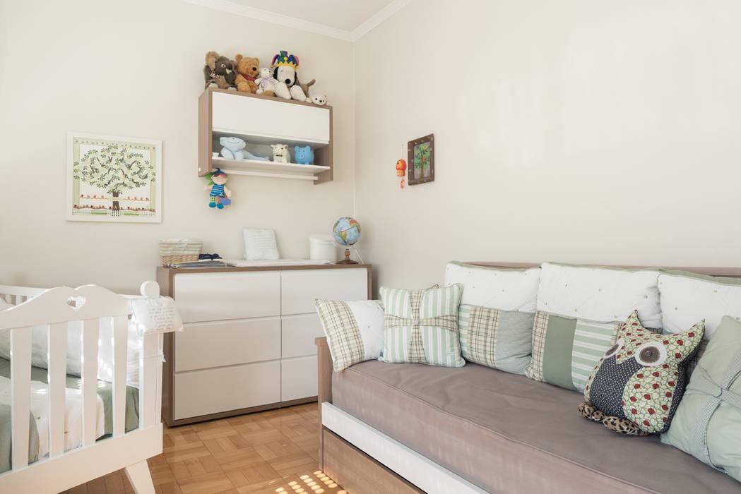 Dormitório bebê Quarto infantil eclético por Blacher Arquitetura Eclético