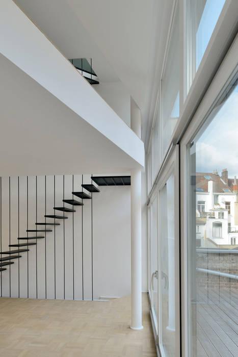 Serpentin 34 Fenêtres & Portes modernes par atelier d'architecture FORMa* Moderne