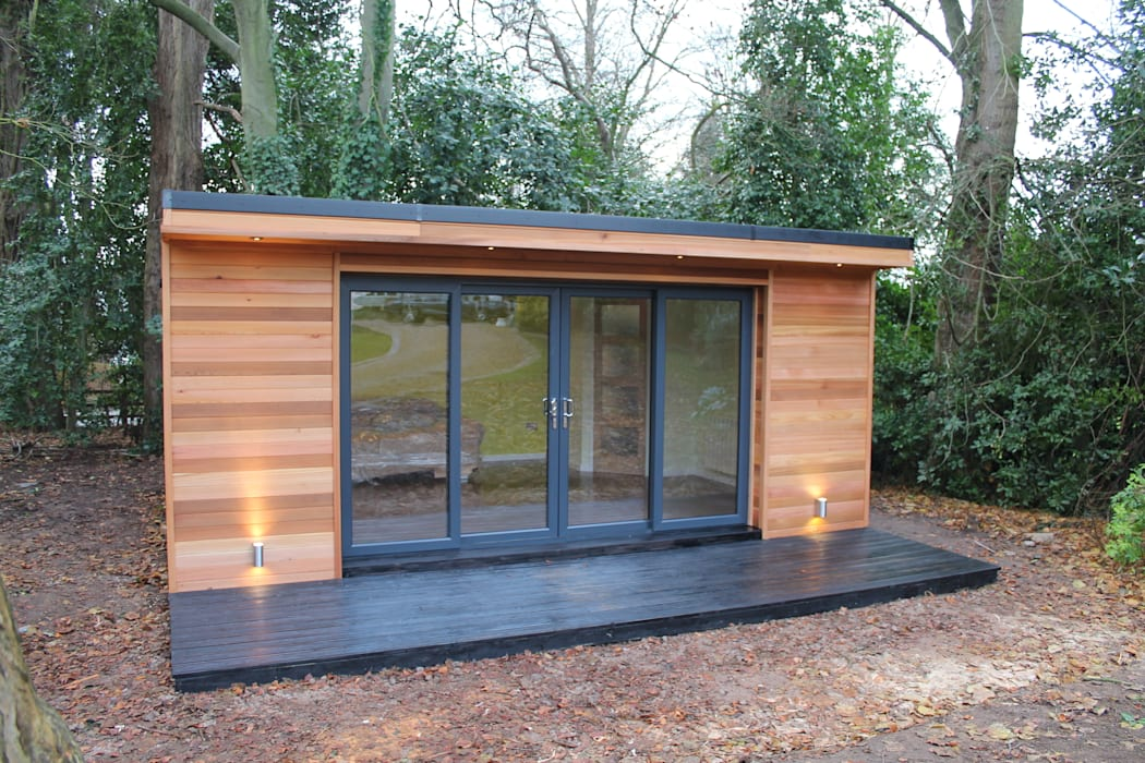 'The Crusoe Classic' - 6m x 4m Garden Room / Home Office / Studio / Summer House / Log Cabin / Chalet:  Study/office by Crusoe Garden Rooms Limited