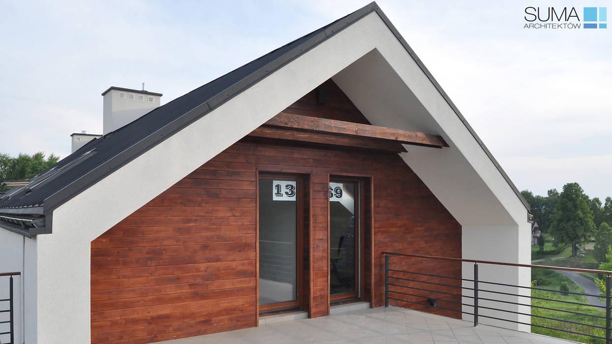 SIMPLE ONE: styl , w kategorii Domy zaprojektowany przez SUMA Architektów,