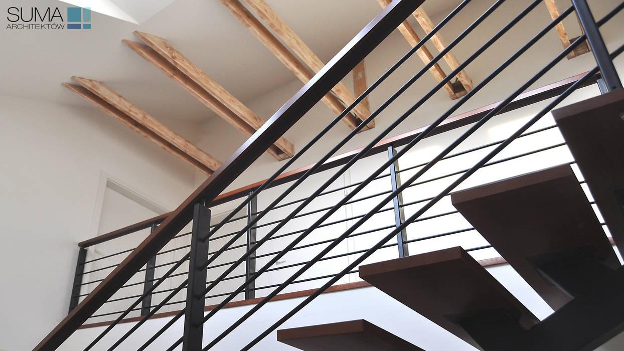 SIMPLE ONE: styl , w kategorii Korytarz, przedpokój zaprojektowany przez SUMA Architektów