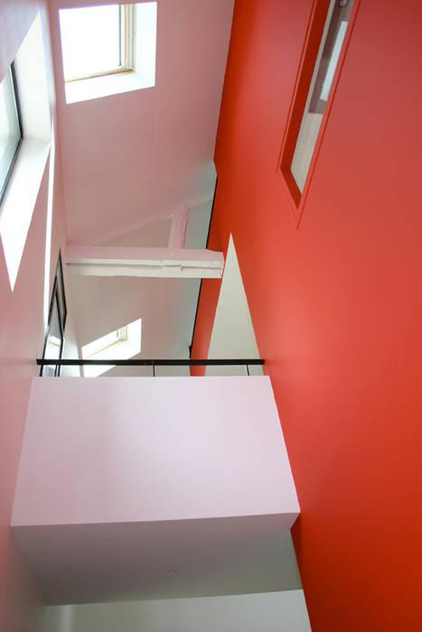 MAISON P: Maisons de style  par A2 ARCHITECTURE