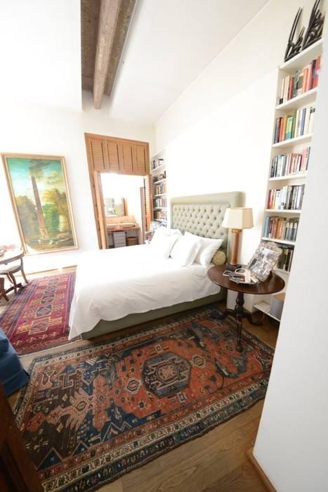 La camera Principale: Camera da letto in stile in stile Classico di Studio Fori