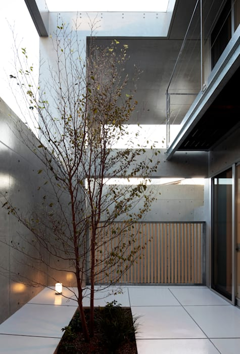 Modern Garden by 長谷雄聖建築設計事務所 Modern