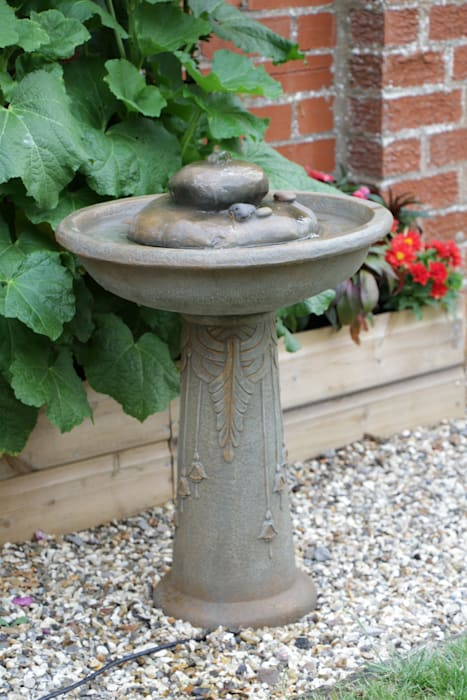 Floriana Bird Bath Solar Powered Water Feature Primrose Garden Accessories & decoration
