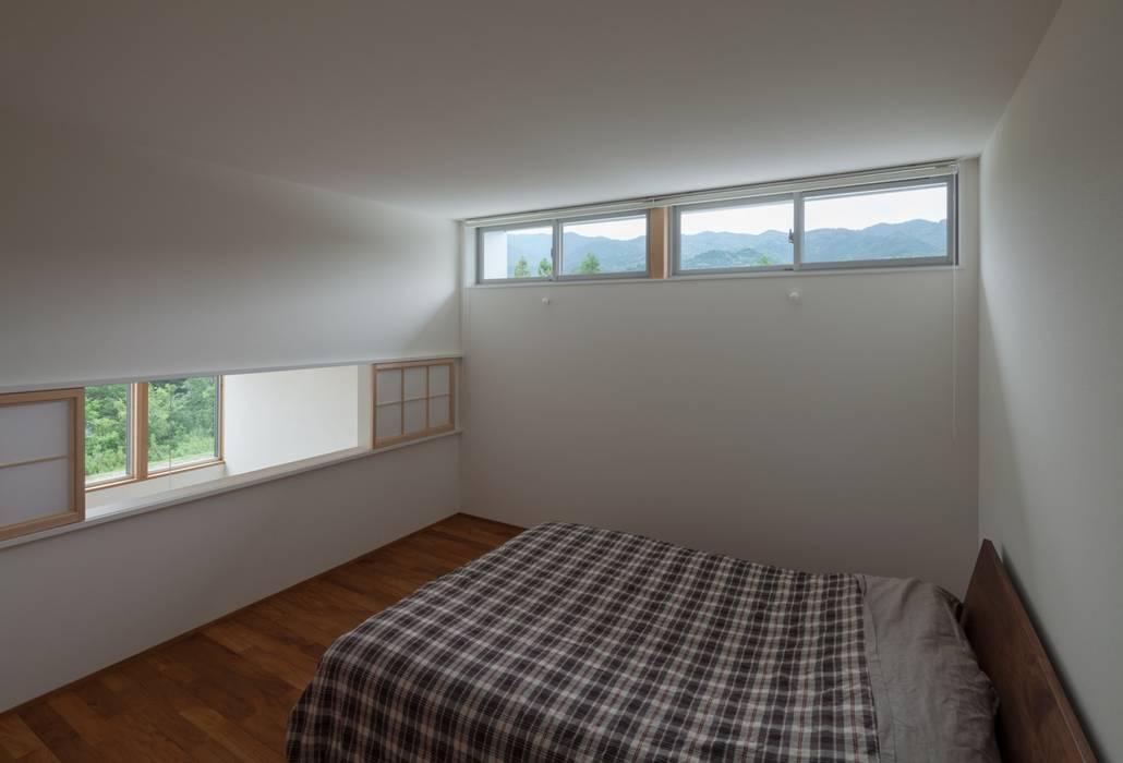 耳納の家: ろく設計室が手掛けた寝室です。