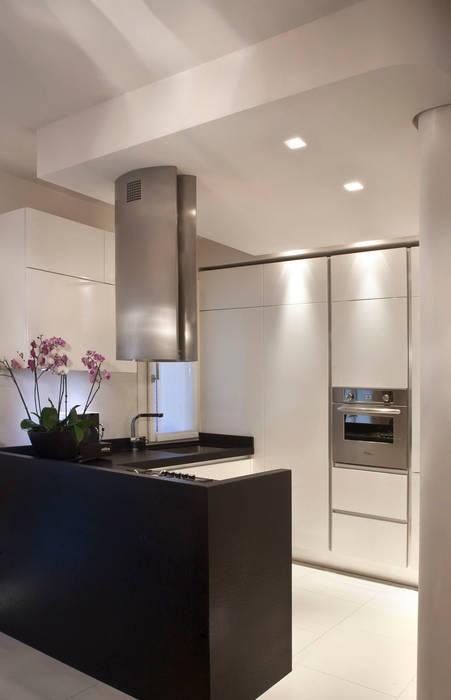 Casa Privata: Cucina in stile in stile Moderno di Costanza Mansueti