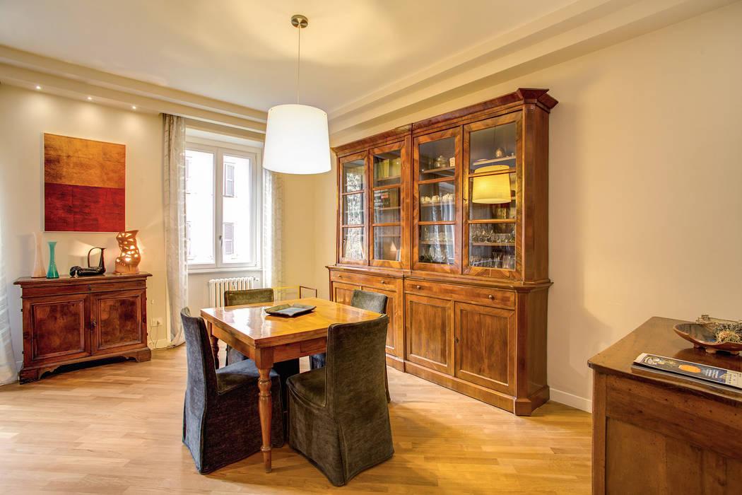 BORGHESE: Sala da pranzo in stile in stile Moderno di MOB ARCHITECTS