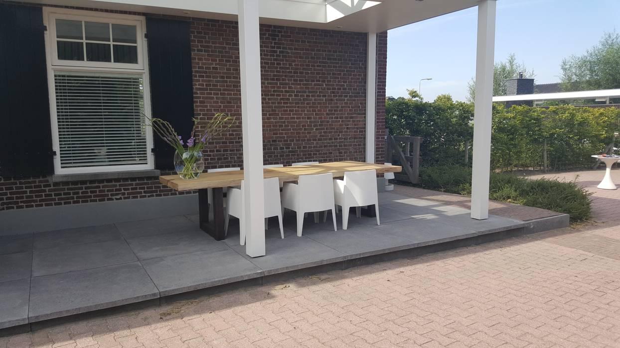 Boomstamtafels voor buiten modern balkon veranda terras door