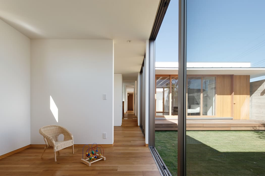 子供室: 窪江建築設計事務所が手掛けた子供部屋です。