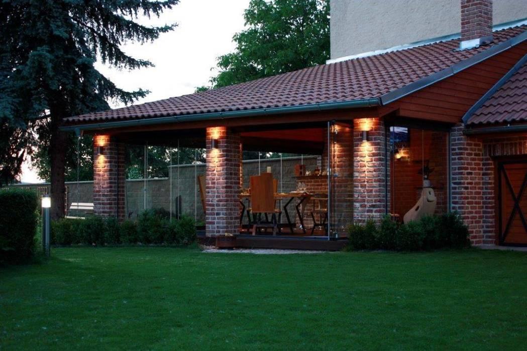 Terrasse de style  par SUNFLEX Aluminiumsysteme GmbH, Classique