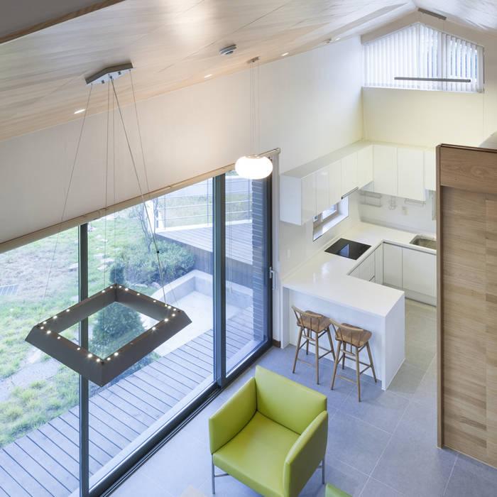 Ruang Keluarga Modern Oleh SpaceMGT Modern