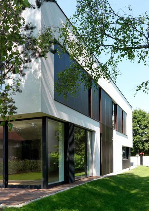 Dom175 Minimalistyczne domy od Jednacz Architekci Minimalistyczny