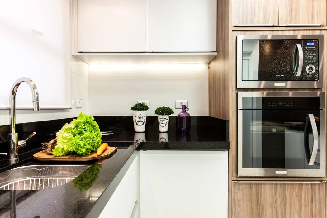Bancada Cozinha: Cozinhas  por Barbara Dundes | ARQ + DESIGN,Moderno