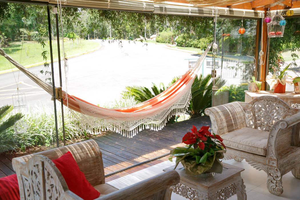 Balconies, verandas & terraces  by Brasilchic