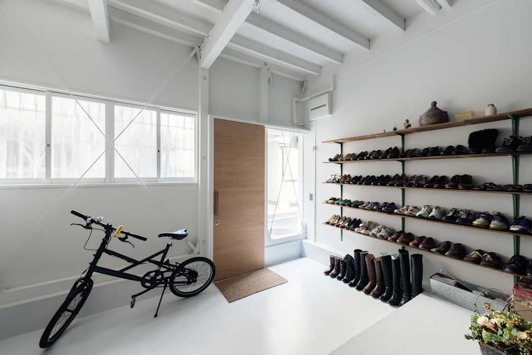 Eclectic style windows & doors by coil松村一輝建設計事務所 Eclectic