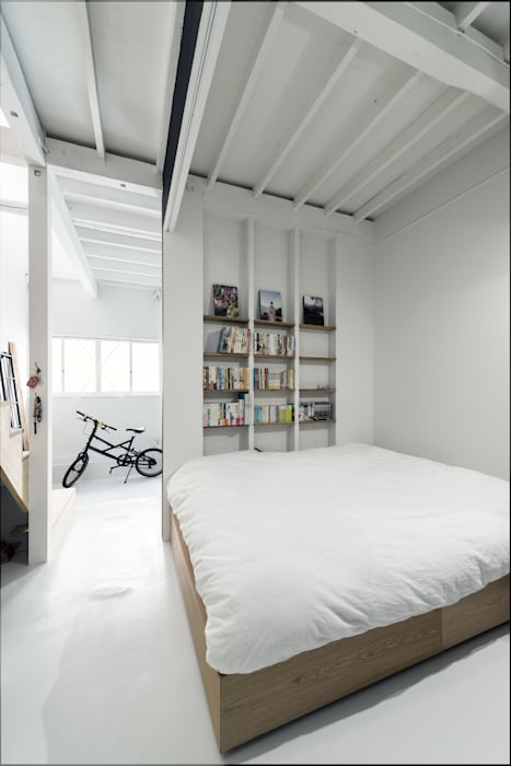 Eclectic style bedroom by coil松村一輝建設計事務所 Eclectic