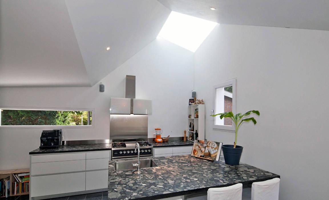Kitchen by richel lubbers architecten homify
