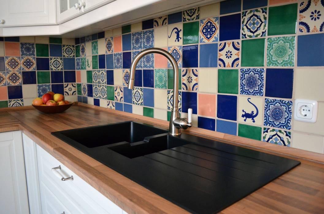 Cocinas de estilo ecléctico de Mexambiente e.K. Ecléctico Azulejos
