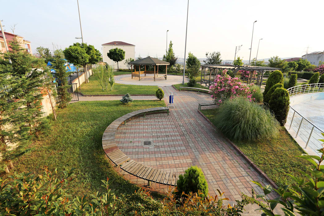 Taman Gaya Mediteran Oleh asis mimarlık peyzaj inşaat a.ş. Mediteran