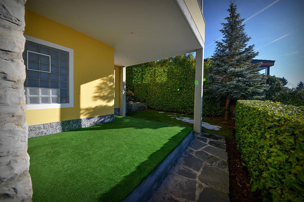 Giardino Terrazzato: Giardino in stile in stile Moderno di Studio Fori