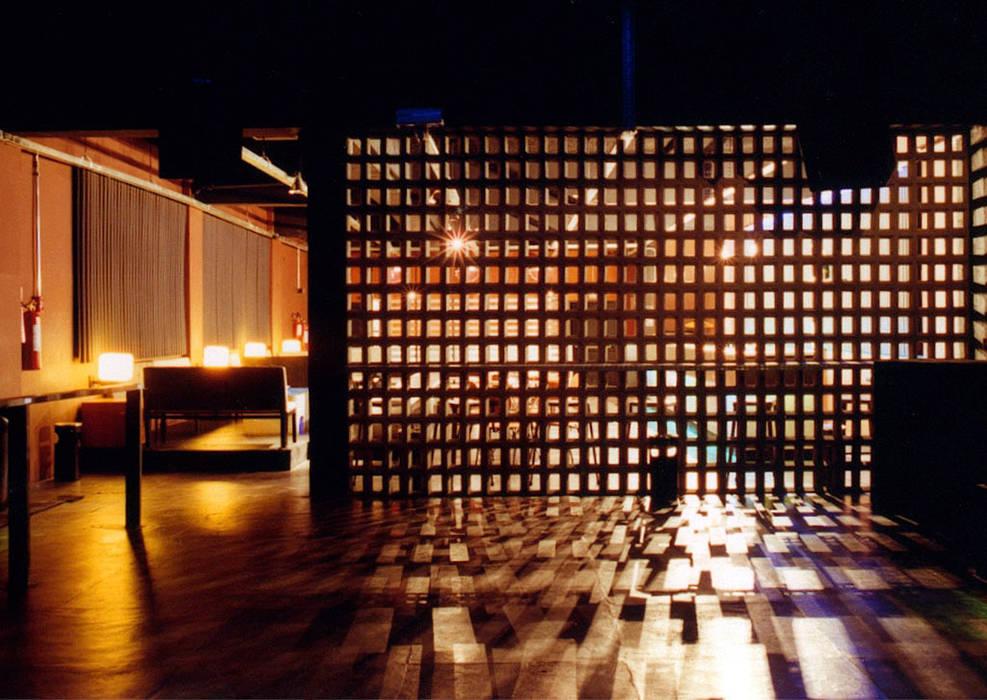 โดย ARQdonini Arquitetos Associados โมเดิร์น