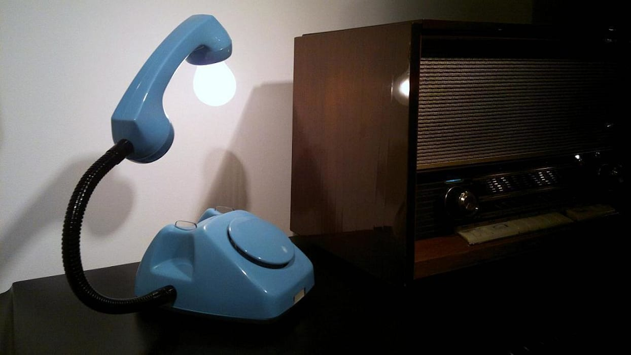 teleLAMPAfon - Bló od RefreszDizajn Minimalistyczny