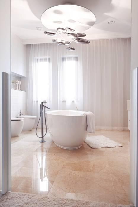 Dom prywatny 2012 formativ. indywidualne projekty wnętrz Klasyczna łazienka
