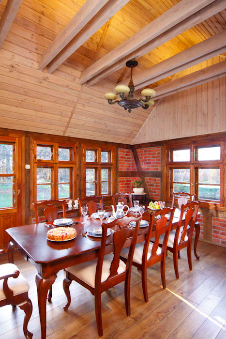 Country style dining room by Studio Projektowe RoRO interior + design Country