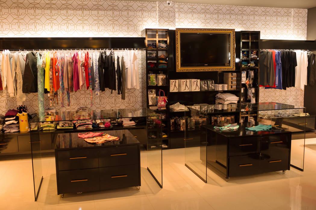 FLORENÇA LINGERIE STORE Lojas & Imóveis comerciais modernos por Veridiana Negri Arquitetura Moderno