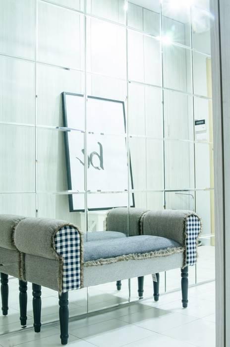 Modern corridor, hallway & stairs by I Home Studio Barbara Godawska Modern