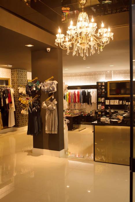 FLORENÇA LINGERIE STORE: Lojas e imóveis comerciais  por Veridiana Negri Arquitetura,Moderno