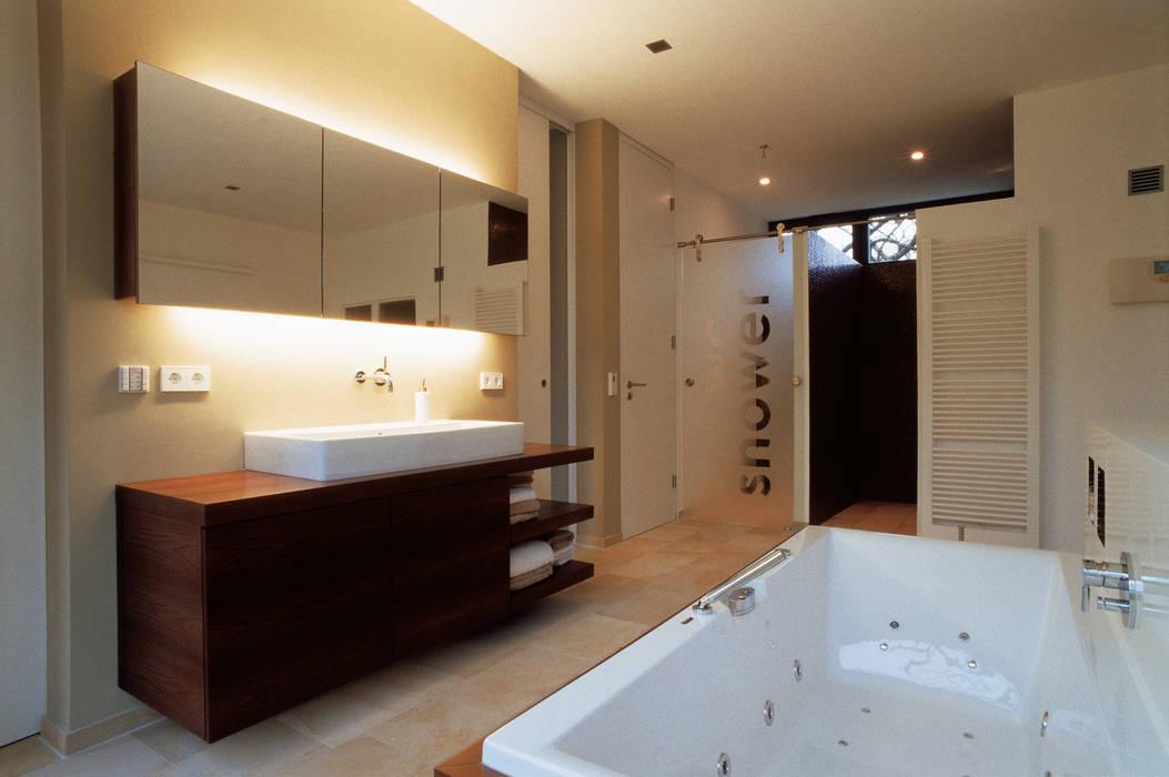 Bad Moderne Badezimmer von Markus Gentner Architekten Modern