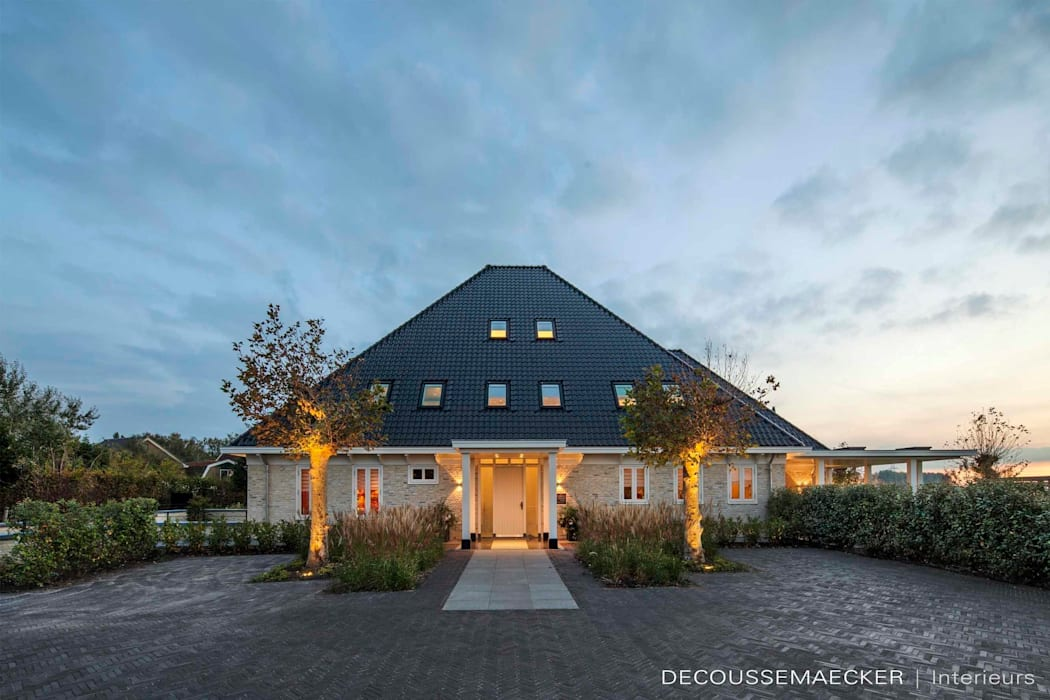 Дома в стиле кантри от Decoussemaecker Interieurs Кантри